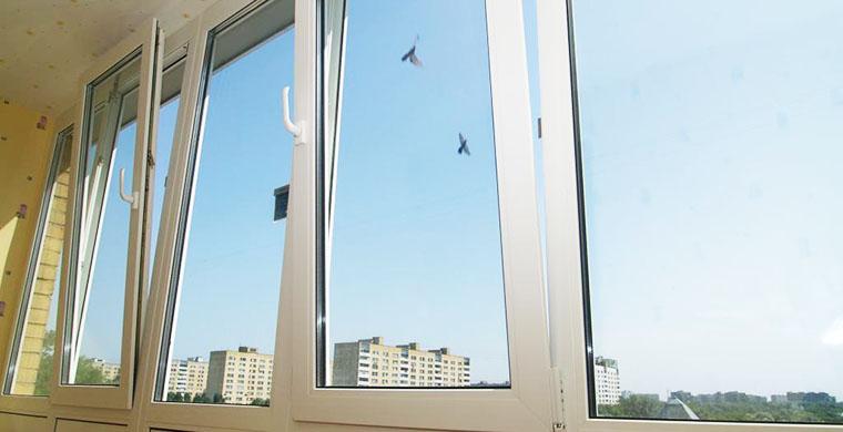 Виды материалов для производства балконных рам.